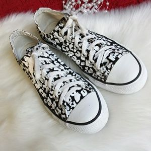 Converse | Black / White All Star Sneaker Sz 8